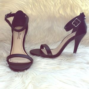 Anne Michelle Enzo strappy trendy heeled sandals